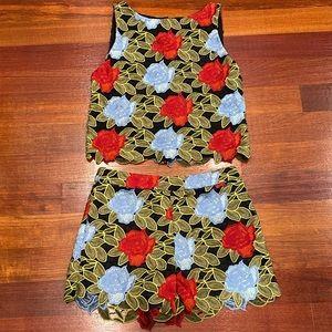Alice Olivia lace floral pattern shorts set.